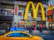 USA United States of America New York New York 15 03 2018 McDonalds Restaurant am Times Square