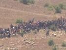 Flüchtlinge in Syrien gehen auf israelischen Grenzzaun zu (Vorschaubild)