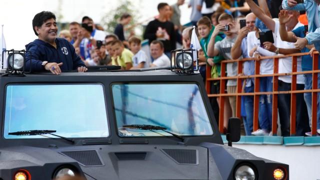 Diego Maradona im Stadion von Dinamo Brest