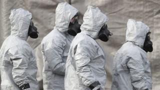 Nowitschok: Ermittler in Schutzkleidung in Salisbury