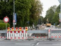 Straßenbauarbeiten an der Riemer Straße, Ecke Rennbahnstraße