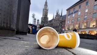 Kaffeebecher-Müll in München, 2016