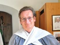 Traubing Maria Geburt: Pfarrer Leander Mikschl