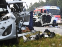 Mehrere Tote und Verletzte bei schweren Unfall