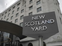 New Scotland Yard Drogen Kinder Spione