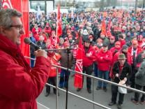 Warnstreiks in der bayerischen Metall- und Elektroindustrie