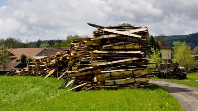 Moosach Holzstapel für Heizkraftwerk