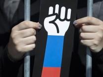 Russen demonstrieren gegen Rentenreform