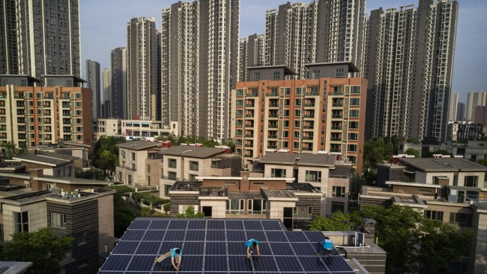 Solar Power Looks to Expand In China's Growing Cities