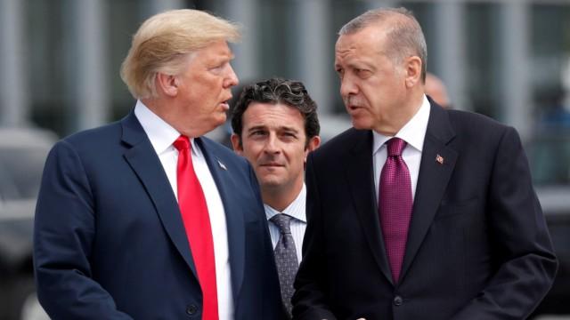 Donald Trump und Recep Tayyip Erdogan 2018 in Brüssel