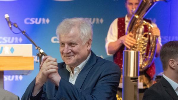 Seehofer hält Bierzelt-Rede