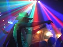 Club Crash in Schwabing: Tanzen, als ob es kein Morgen gäbe.
