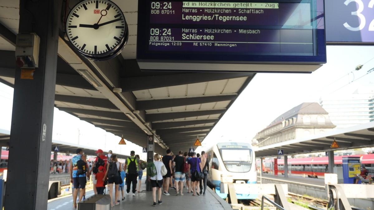 Unterwegs Mit Der Bob überfüllte Züge München