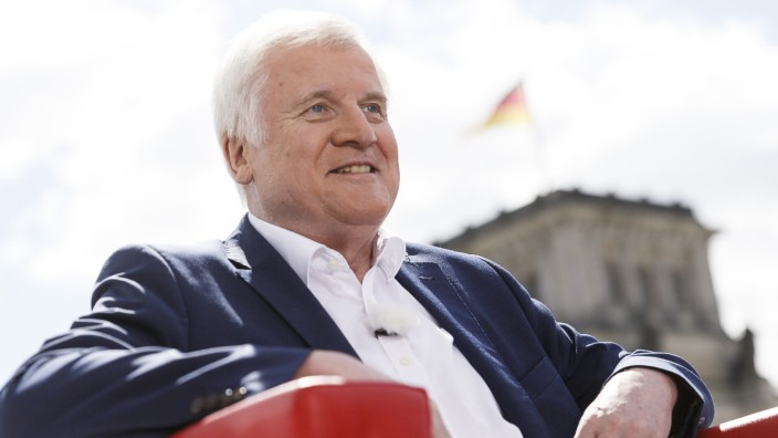Seehofer Gives ARD Summer Interview