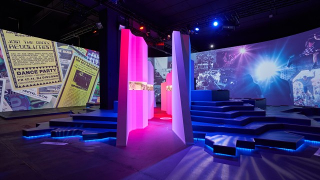 "Städtereise Ausstellung ""nineties berlin"""