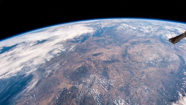Hitzewelle zeigt in Mitteleuropa Spuren - aufgenommen aus der ISS
