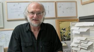 Bernhard Haupeltshofer, Künstler, der von Hartz IV lebt. In seiner Wohnung