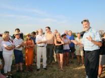Bürgerprotest gegen AWISTA-Pläne; Protest auf freiem Feld
