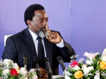 FILE PHOTO: Democratic Republic of Congo's President Joseph Kabila addresses a news conference at the State House in Kinshasa