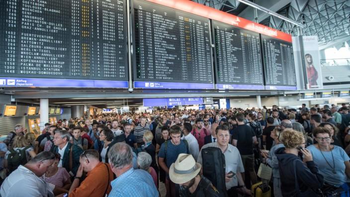 Flughafen Frankfurt wegen Polizeieinsatz teilweise geräumt
