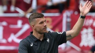 Fußball In Japan Pass Podolski Tor Iniesta Sport Süddeutschede