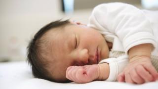 Sleeping newborn baby girl model released Symbolfoto PUBLICATIONxINxGERxSUIxAUTxHUNxONLY GEMF01538