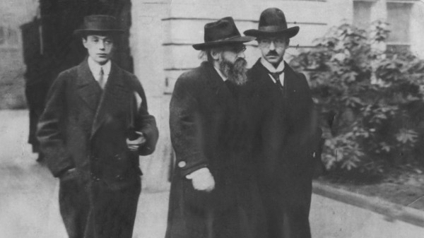 Felix Fechenbach, Kurt Eisner, Dr. Mückle, 1918