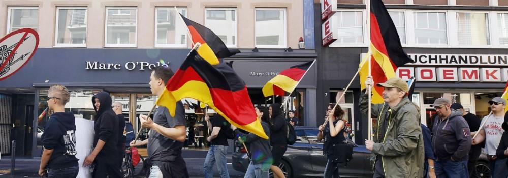 Die rechtspopulistische Partei Pro NRW hatte zu der Kundgebung unter dem Motto Kein Fußbreit der opp