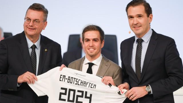 DFB: Philipp Lahm als EM-Botschafter mit Reinhard Grindel und Friedrich Curtius