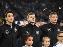 Fussball Herren Nationalmannschaft Länderspiel Freundschaftsspiel Deutschland Frankreich 14 11