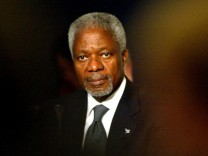 FILE PHOTO -  UN Secretary-General Kofi Annan addresses the National Forum on Europe in Dublin Castle.