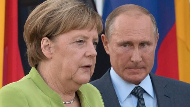 Merkel trifft Putin auf Schloss Meseberg