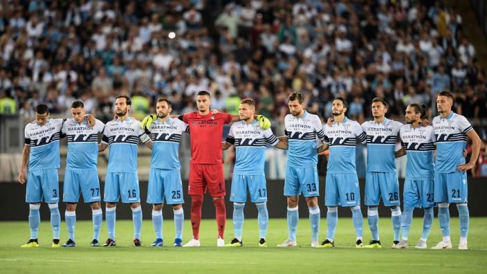 Lazio Fans Wollen Frauen Aus Fankurve Aussperren Sport Sz De