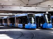 """""""Avenio"""" Straßenbahn in München, 2015"""