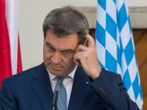 Markus Söder, Ministerpräsident von Bayern, während einer Pressekonferenz in Österreich
