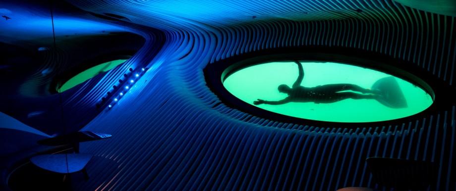 """Unterwasserbar auf dem Kreuzfahrtschiff """"Le Lapérouse"""""""
