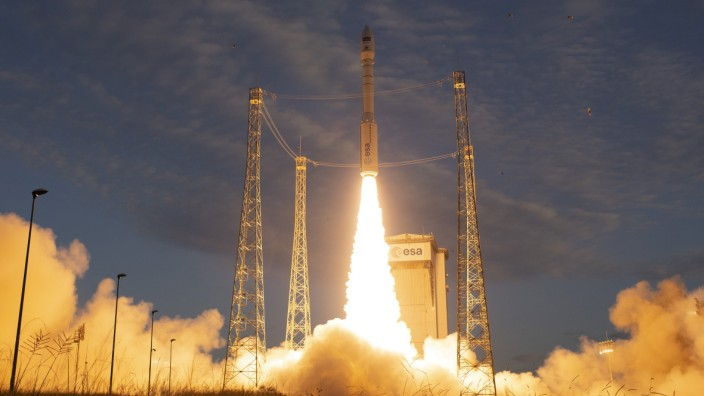 """ESA-Erdbeobachtungssatellit ´Aeolus"""" ins All gestartet"""