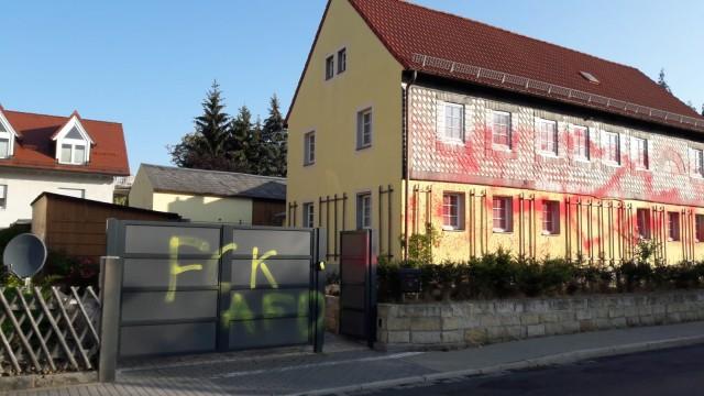 Auf das Wohnhaus von Sachsens AfD-Chef Jörg Urban ist wohl ein Farbanschlag verübt worden.