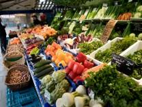 Gemüsestand auf dem Münchner Viktualienmarkt, 2017