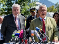 Seehofer und Herrmann besuchen deutsch-österreichische Grenze und ziehen Bilanz über die bayerische Grenzpolizei