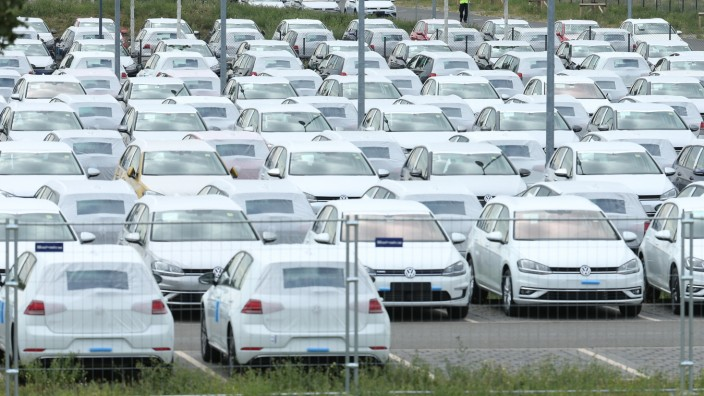 Volkswagen To Store Thousands Of Cars At New Berlin Airport