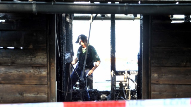 Leoni  abgebranntes Gastl Bootshaus