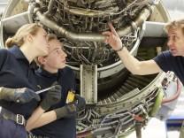 158 neue Auszubildende bei der Lufthansa Technik Gruppe