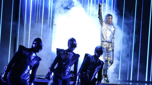 World Record Attempt Of 'The world's largest Michael Jackson dance choreography'