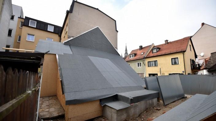 Gesicherte Überreste eines illegal abgrissenen Baudenkmals in München, 2018