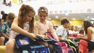 Riedstadt 15 08 2017 Einschulung an der Grundschule Crumstadt Neue ABC Sch¸tzen freuen sich ¸ber ih