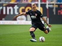 Duesseldorf Germany 25 08 2018 1 Bundesiga 1 Spieltag Fortuna Duesseldorf FC Augsburg Phili; Philipp Max - FC Augsburg