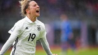Jubel Freuen celebrate happy cheer Goal Celebration Deutschland 0 1 Torschützin Svenja Huth