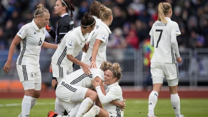 Dfb Frauen Wetterfest Zur Wm Sport Suddeutsche De