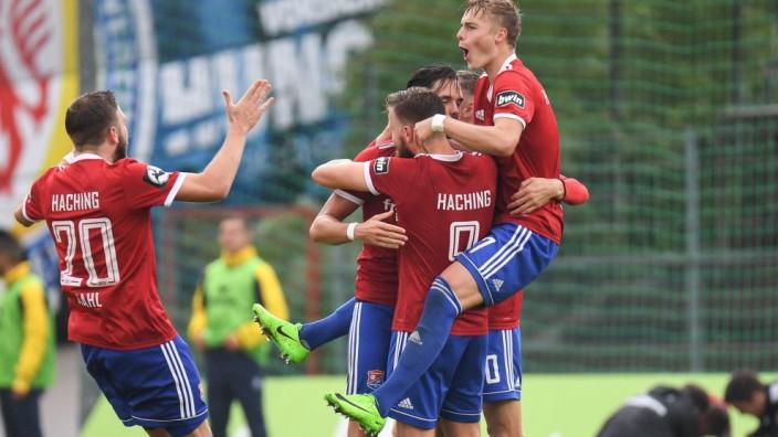 v li Gustav Valsvik Eintracht Braunschweig 5 enttäuscht schauend Enttäuschung Frustration d